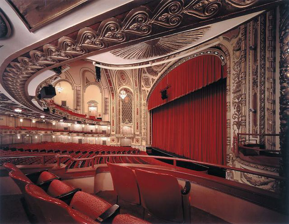 Love Broadway Theatre? Why You Need To Visit Chicago
